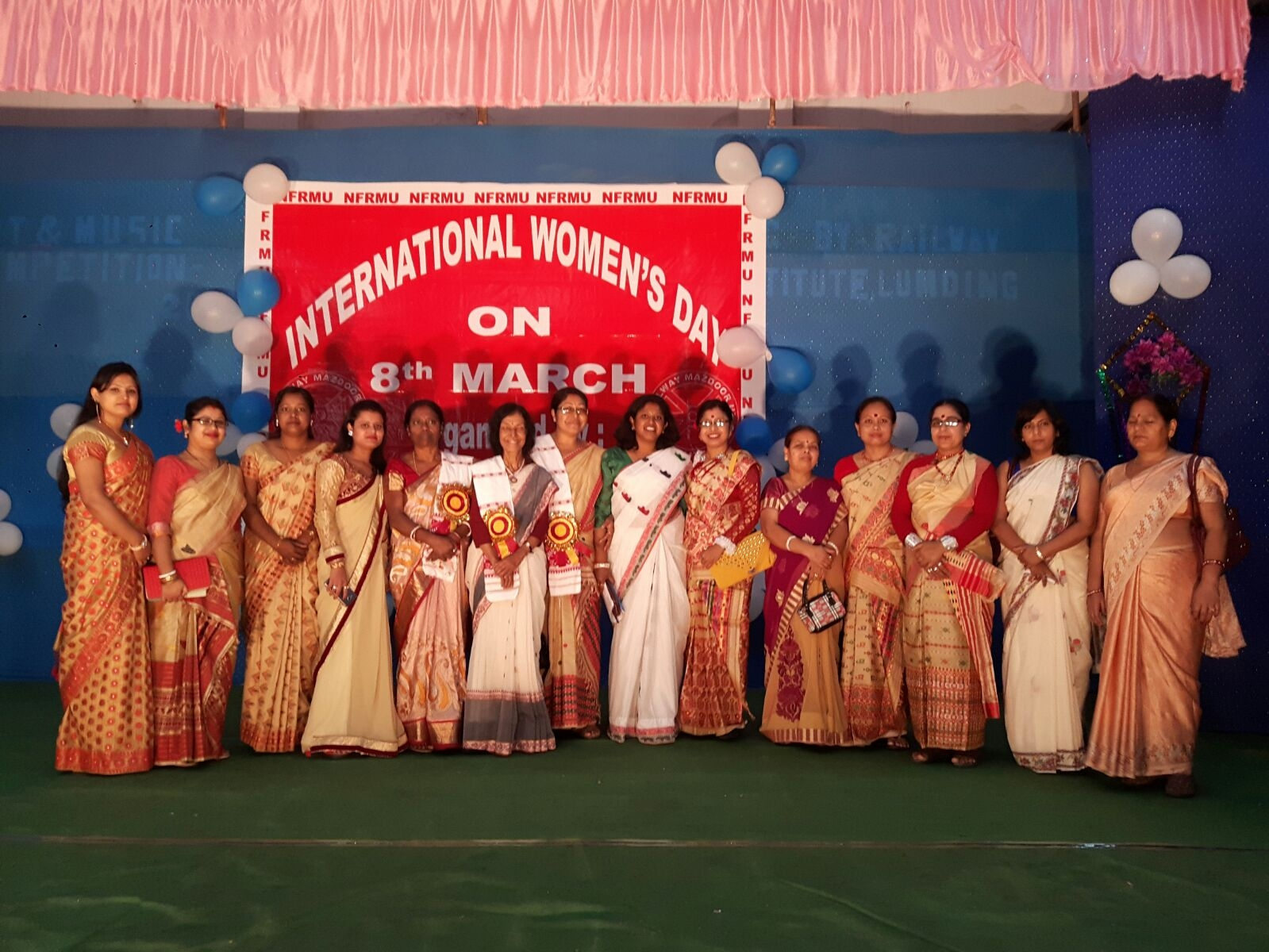 SBI felicitates 5 women