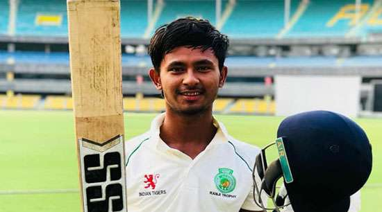 Shubhankar, Wallace share lead
