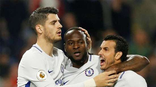 Chelsea keep alive top four hopes