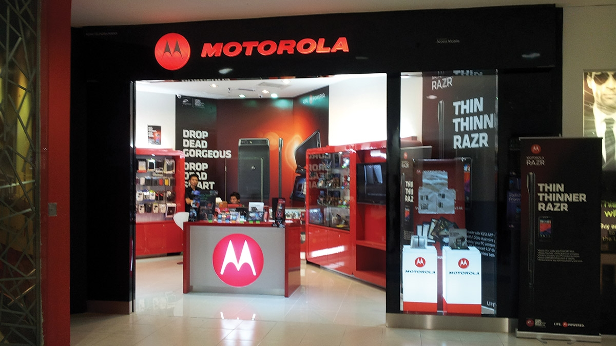 Motorola opens 25  Moto Hubs in North-East
