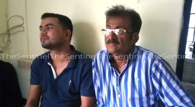 Two Govt officials arrested for taking bribe