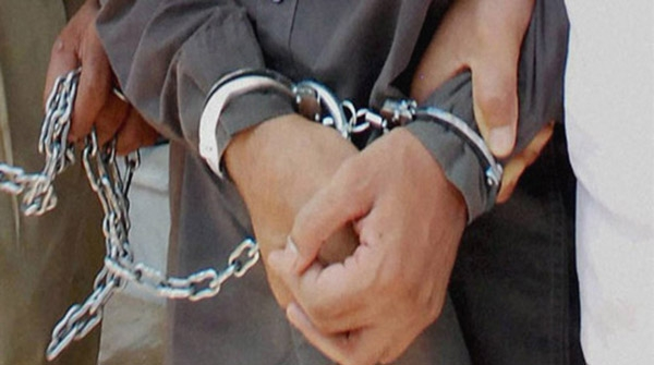 Two drug peddlers put behind bars