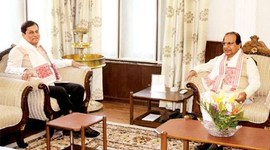 Sonowal apprises Governor of state of affairs