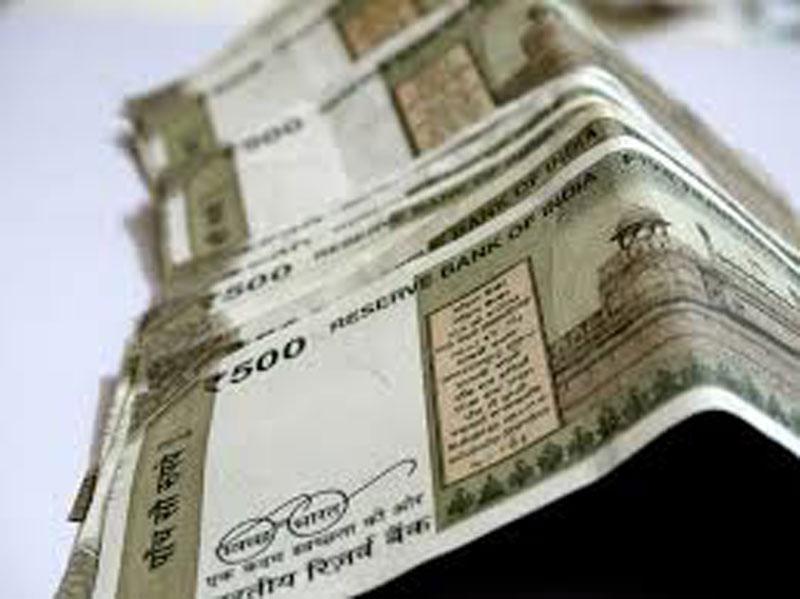 Karnataka politics, oil prices to exert pressure on rupee: Experts