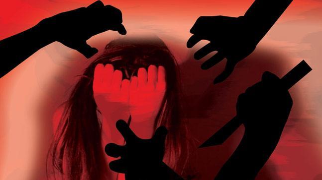 Miscreants  attack woman