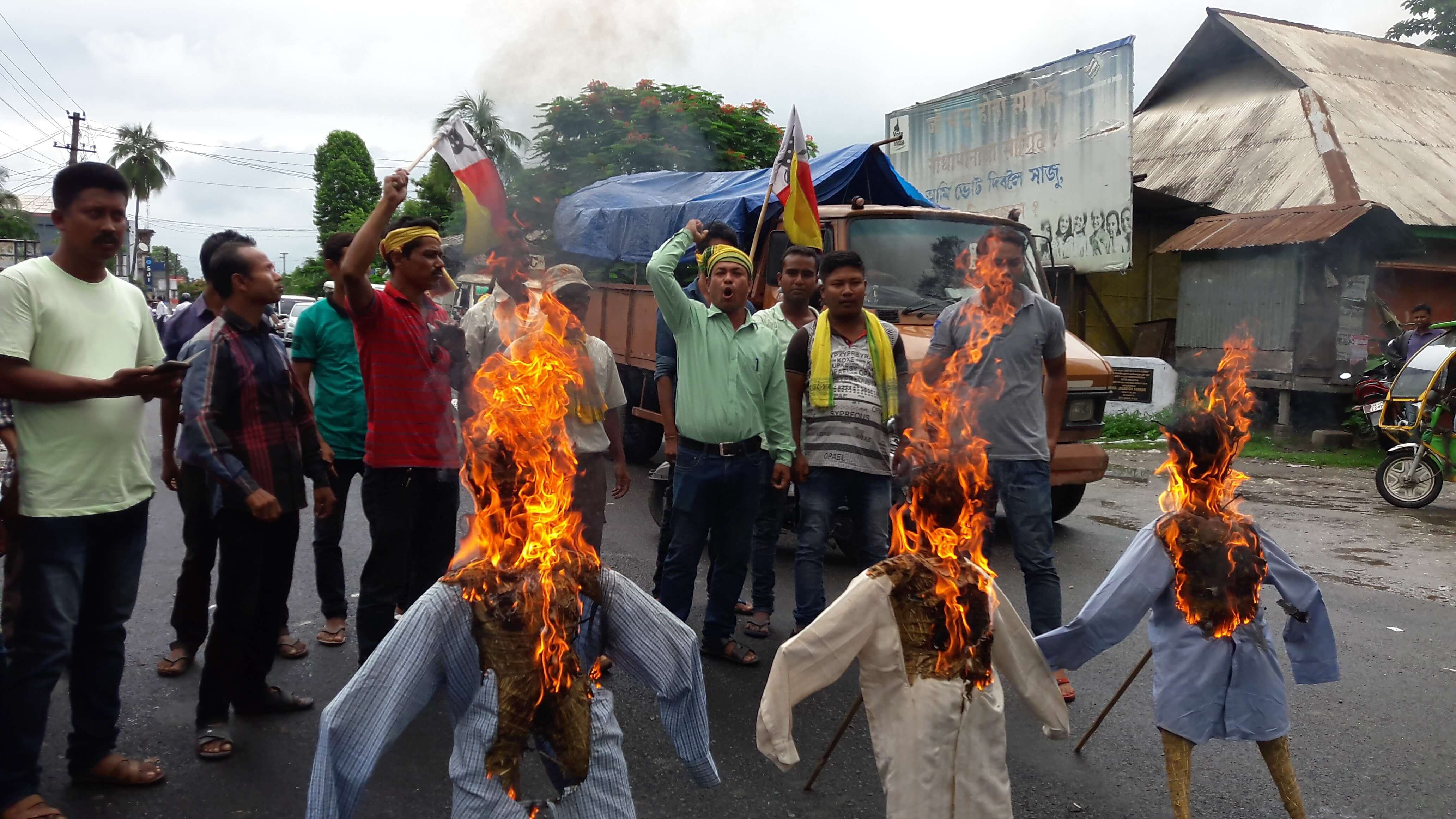 AKRSU reiterates demand for ST status, burns effigies