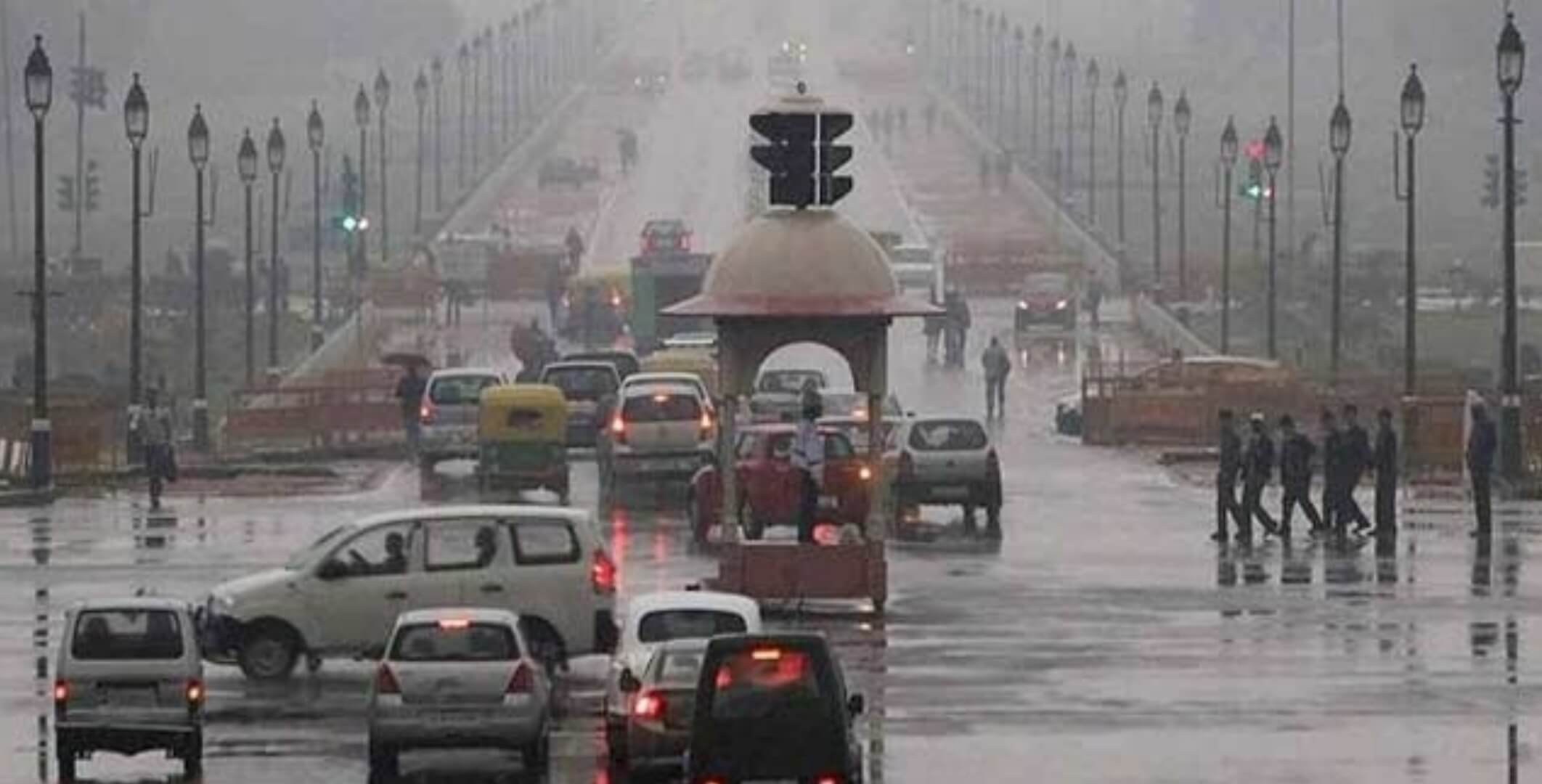 Rain, Thunderstorm Bring Respite to Capital, 18 Flights Diverted