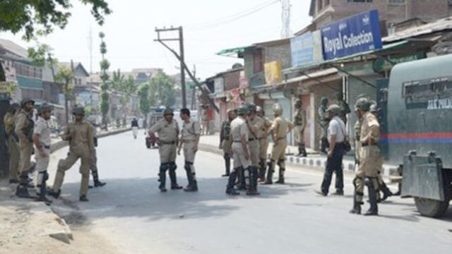 Separatist leaders detained, shutdown hits life in Kashmir