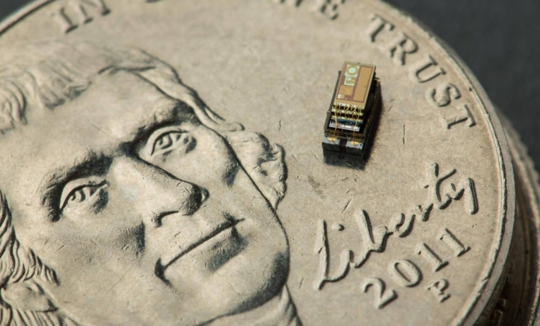 """Latest-Tiniest Computer equivalent to the """"Grain of Rice"""""""