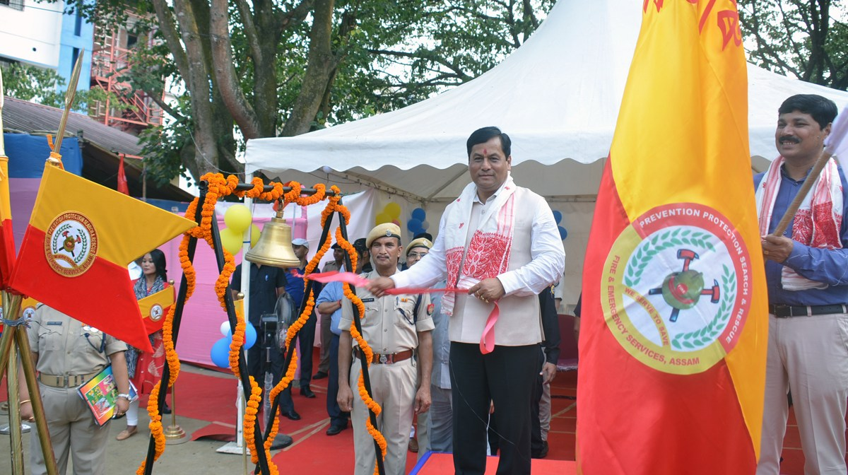 Sonowal flags off 28 fire tending vehicles