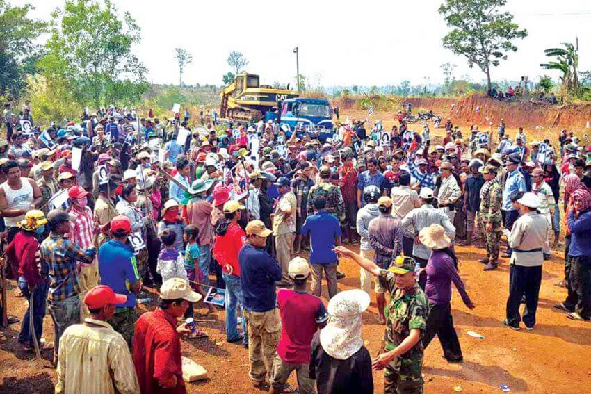 One killed,  11 injured in clash over land dispute