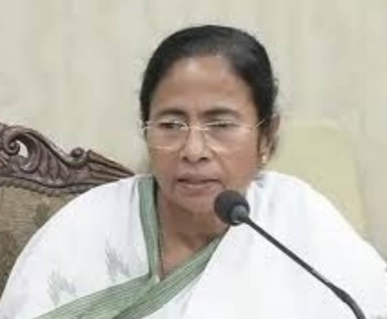 Mamata greets Uddhav on Shiv Sena Foundation Day