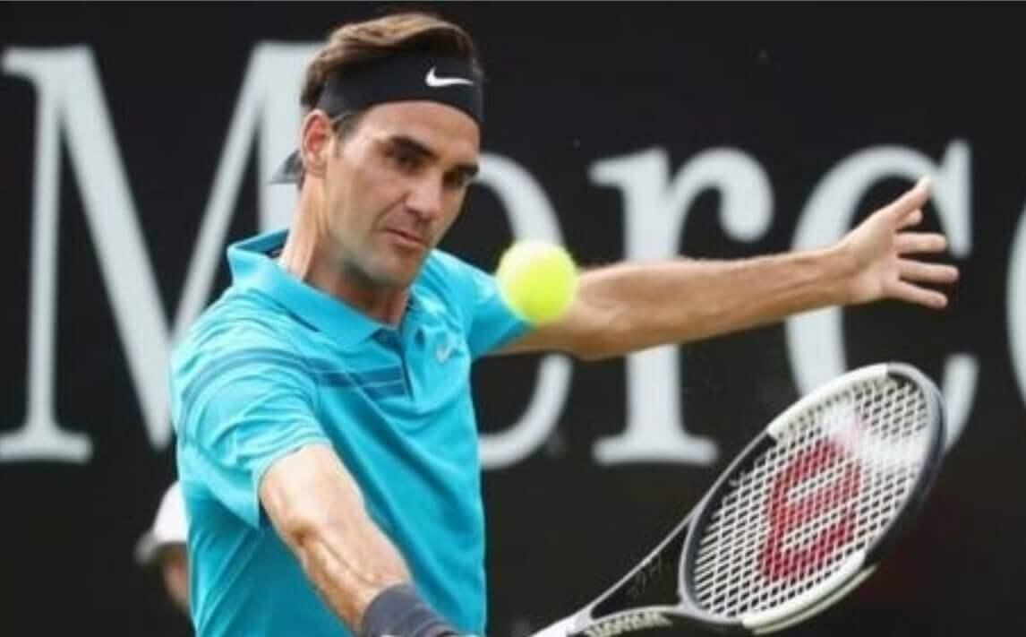 Federer reclaims top spot
