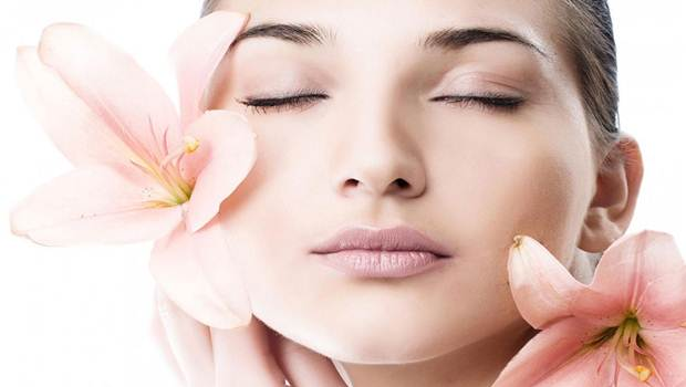 Expert Tips for Glowing  Skin in Summer