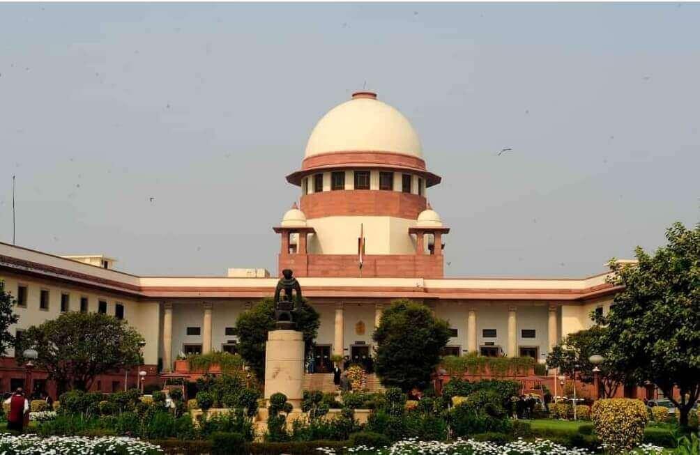 SC to hear disqualified AIADMK leaders' plea