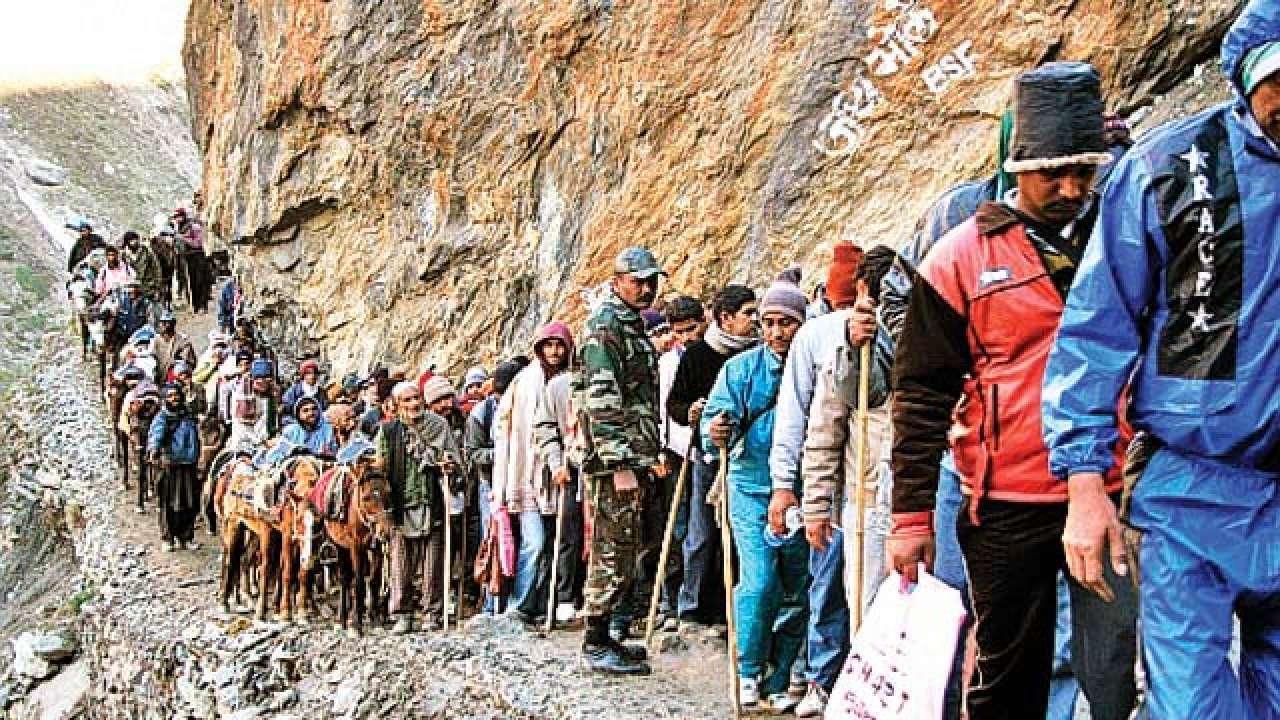Over 4,000 pilgrims leave Jammu for Amarnath Yatra