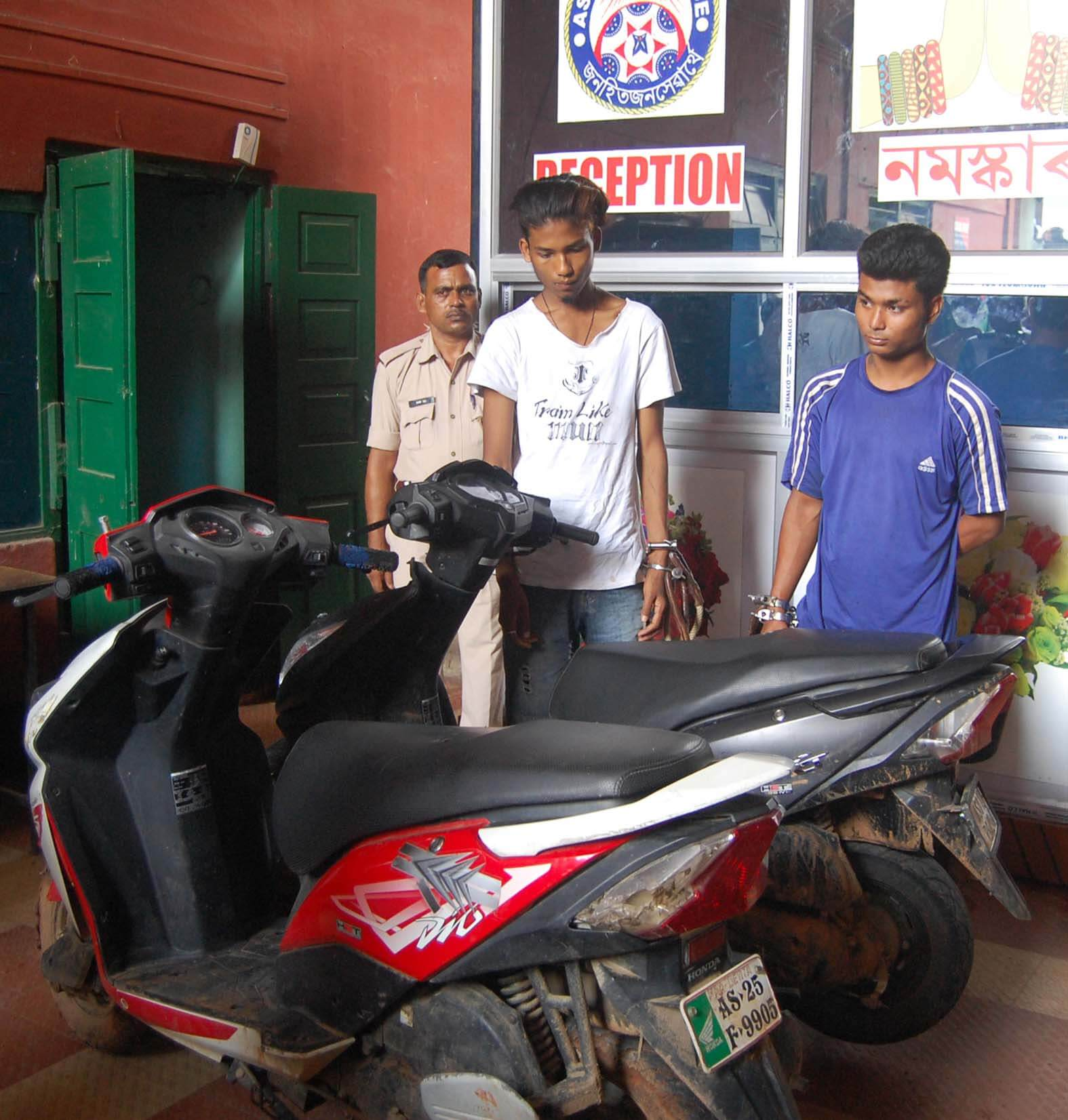Motorcycle  lifters arrested