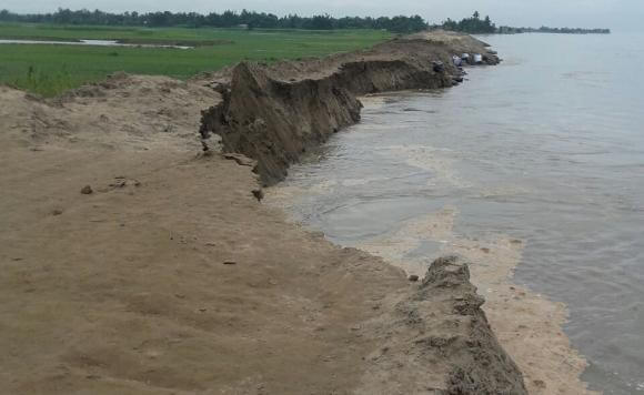 Protest by erosion-hit people in Jorhat