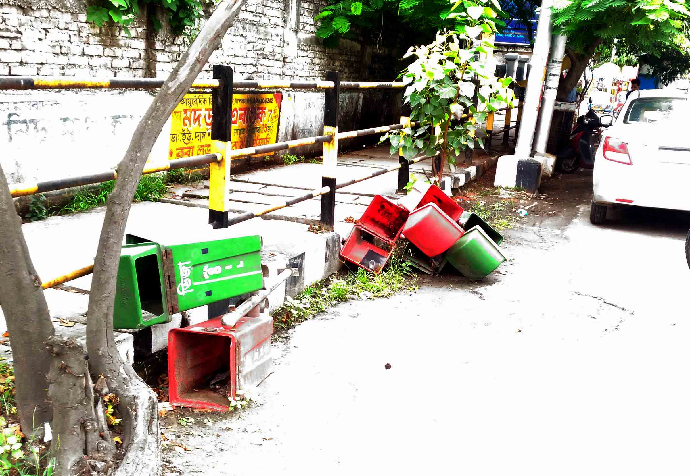 Dustbins turn to dust & scraps along GS Road Guwahati