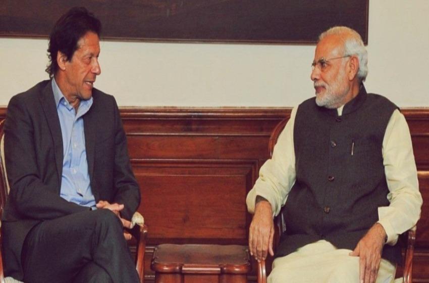 Indian Prime Minister Narendra Modi Speaks to Pakistan Tehreek-e-Insaf (PTI) Chairperson Imran Khan, Calls for Peace