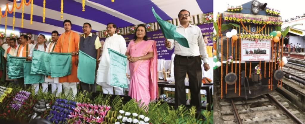 Satsang devotees welcome  Agartala-Deoghar Weekly Express