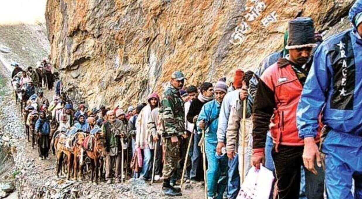 Close to 6,000 pilgrims head for Amarnath