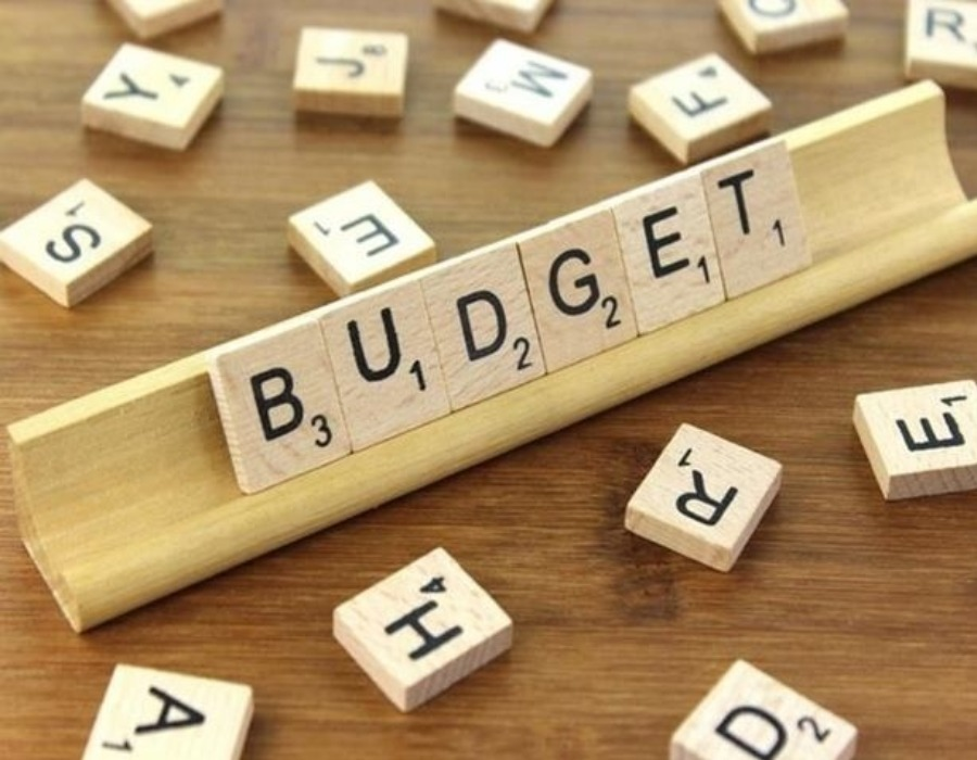 Fiscal Deficit: Indias fiscal deficit in June touches 68.7% of years target
