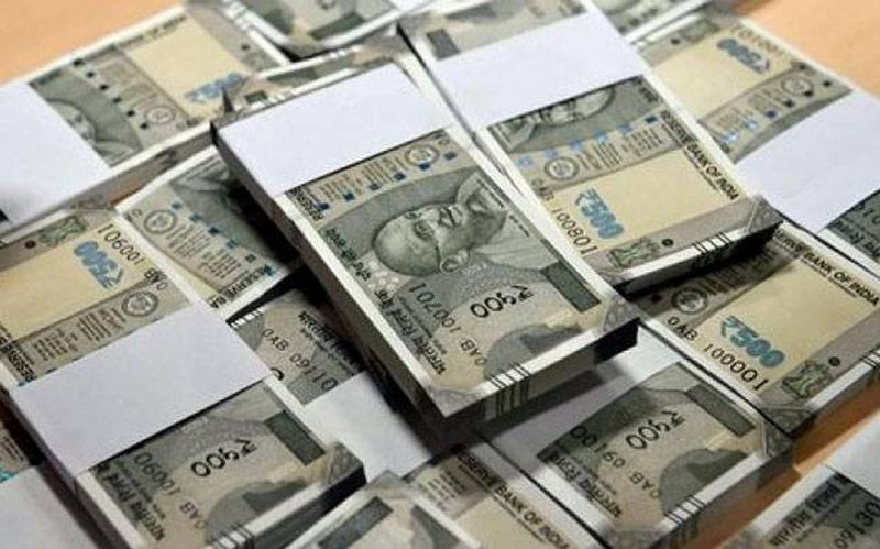 Rs 7 lakh in fake currency seized, two arrested in West Bengals Malda