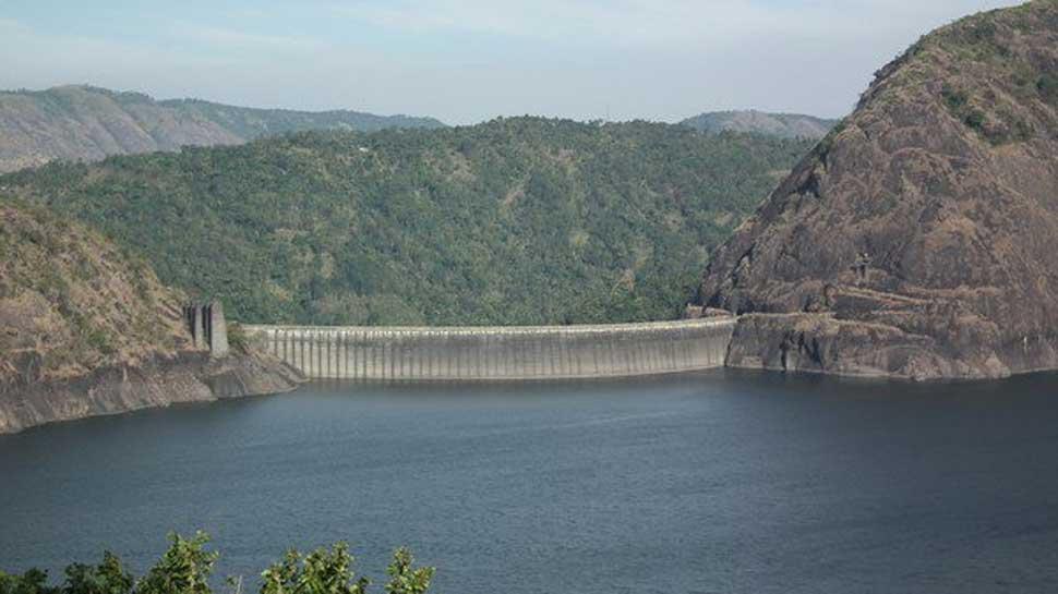 Faith versus flood fear at Kerala's Idukki dam : Puja offered to pray shut down of Dam gates