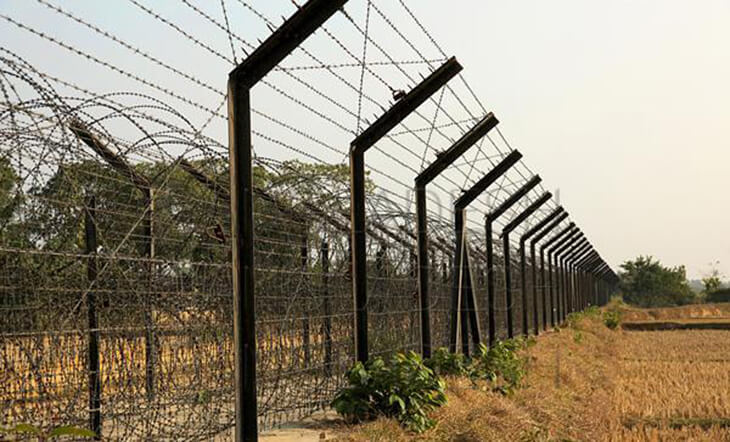 Delayed fencing causes problem for border town dwellers