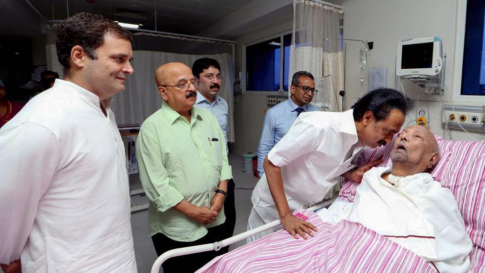 Congress President Rahul Gandhi  visits M  Karunanidhi in hospital