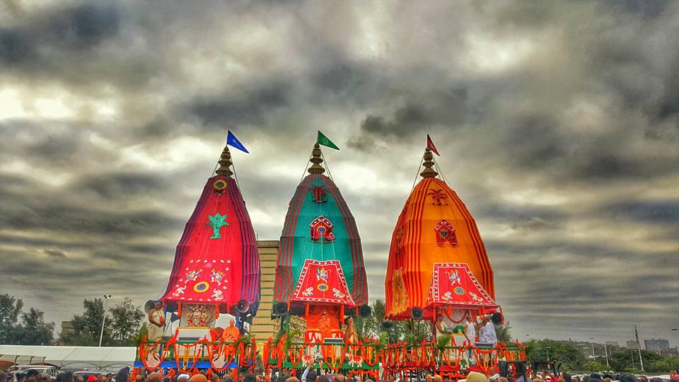 Rath Yatra 2018: Devotion Rents in Air as Lord Jagannath Begins Journey