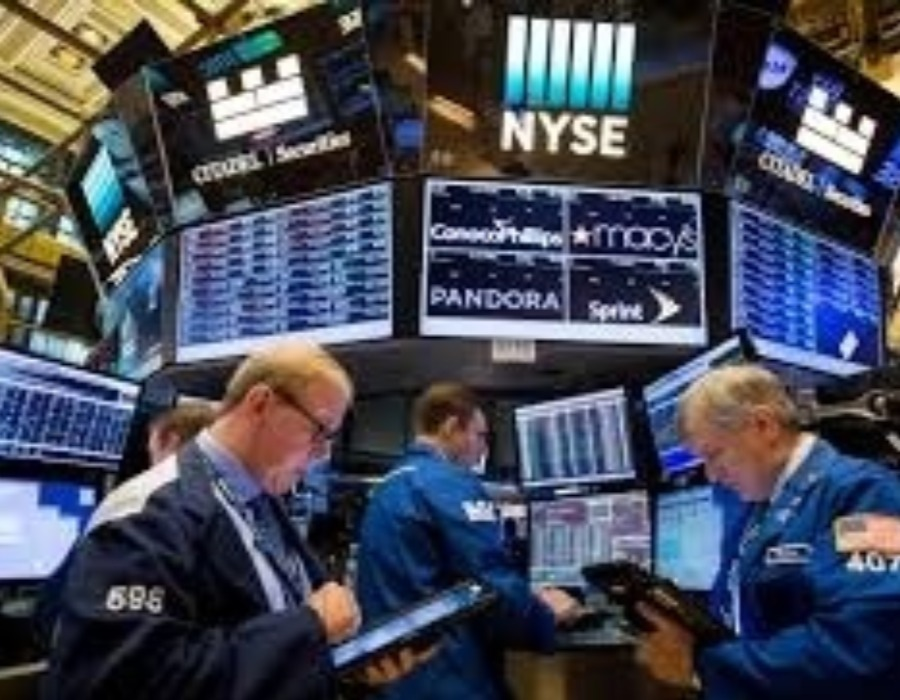 United States stocks trade higher amid earnings, data
