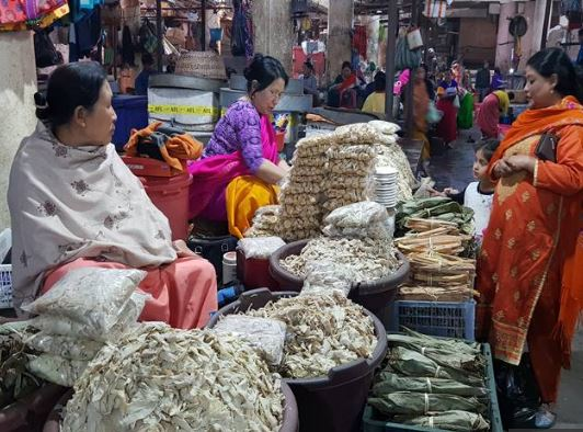 Agitating women vendors lay siege to Manipur PS