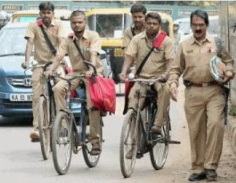 Indian postmen to turn bankers: Minister