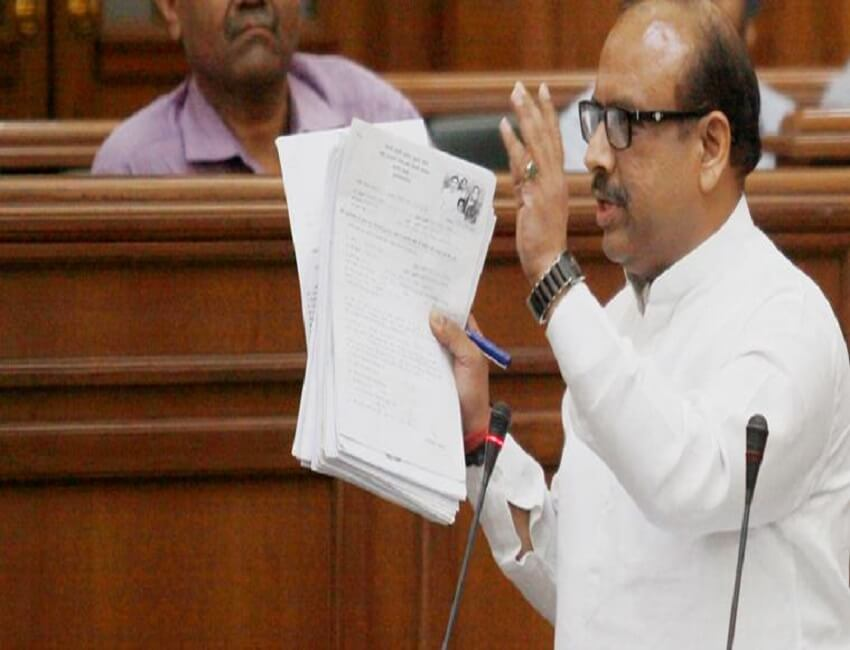 Bedlam in Delhi Assembly as BJP,  AAP MLAs engage in wordy duel