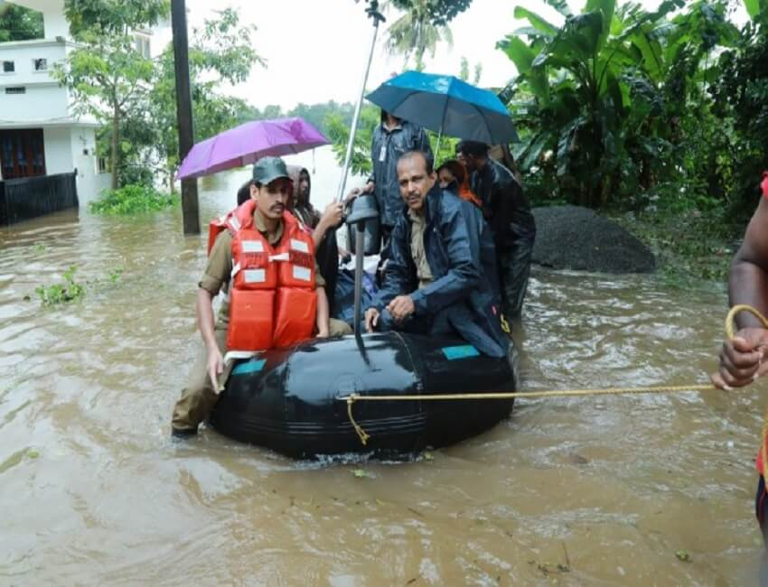 Kerala floods: Adventure Tour operators  join rescue operations