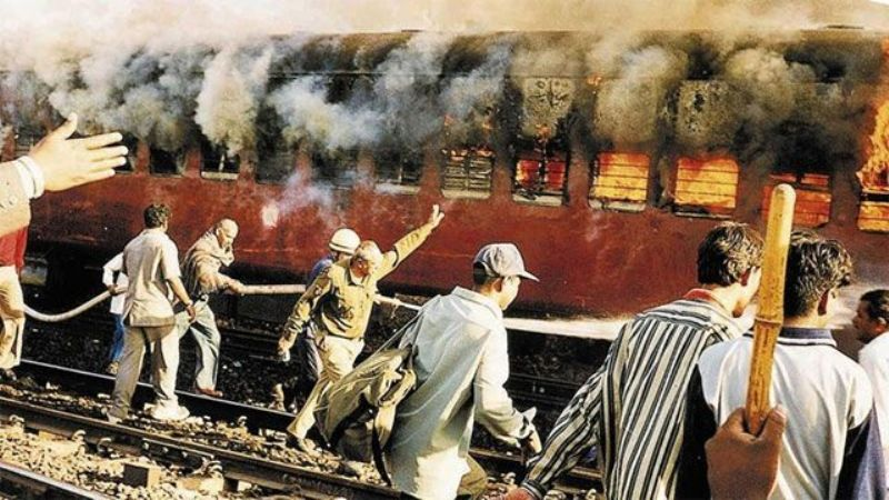 Two More Sentenced to Life for 2002 Godhra Train Attack