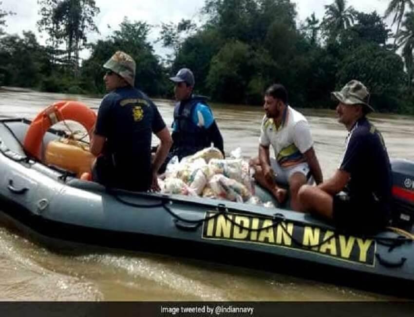 Navy rescues 500  in flood-hit Kerala