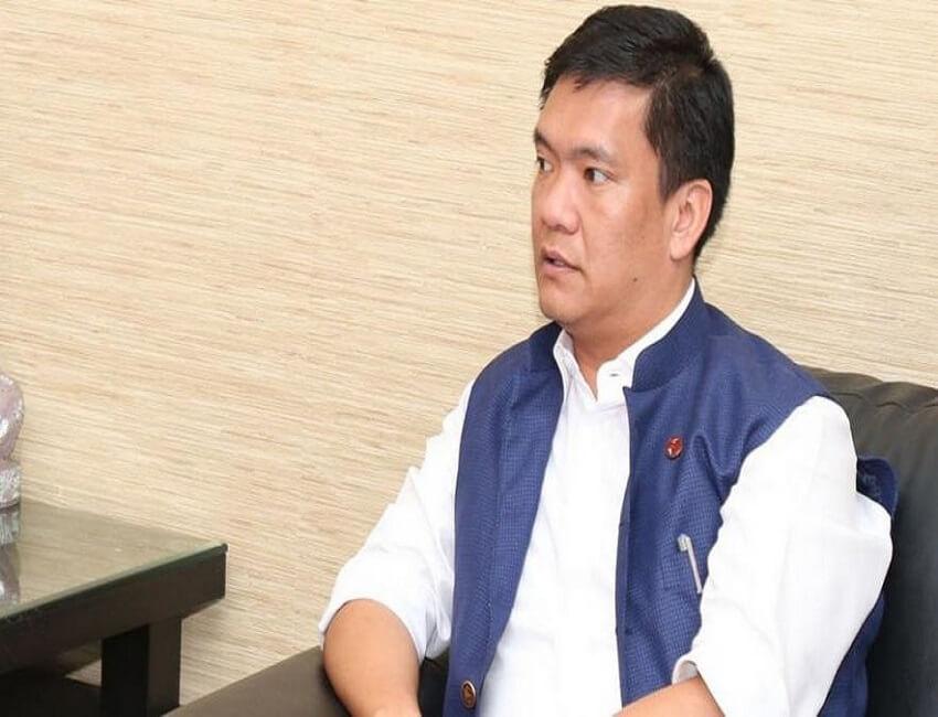 Arunachal Pradesh Chief Minister Pema Khandu reviews status of highway projects