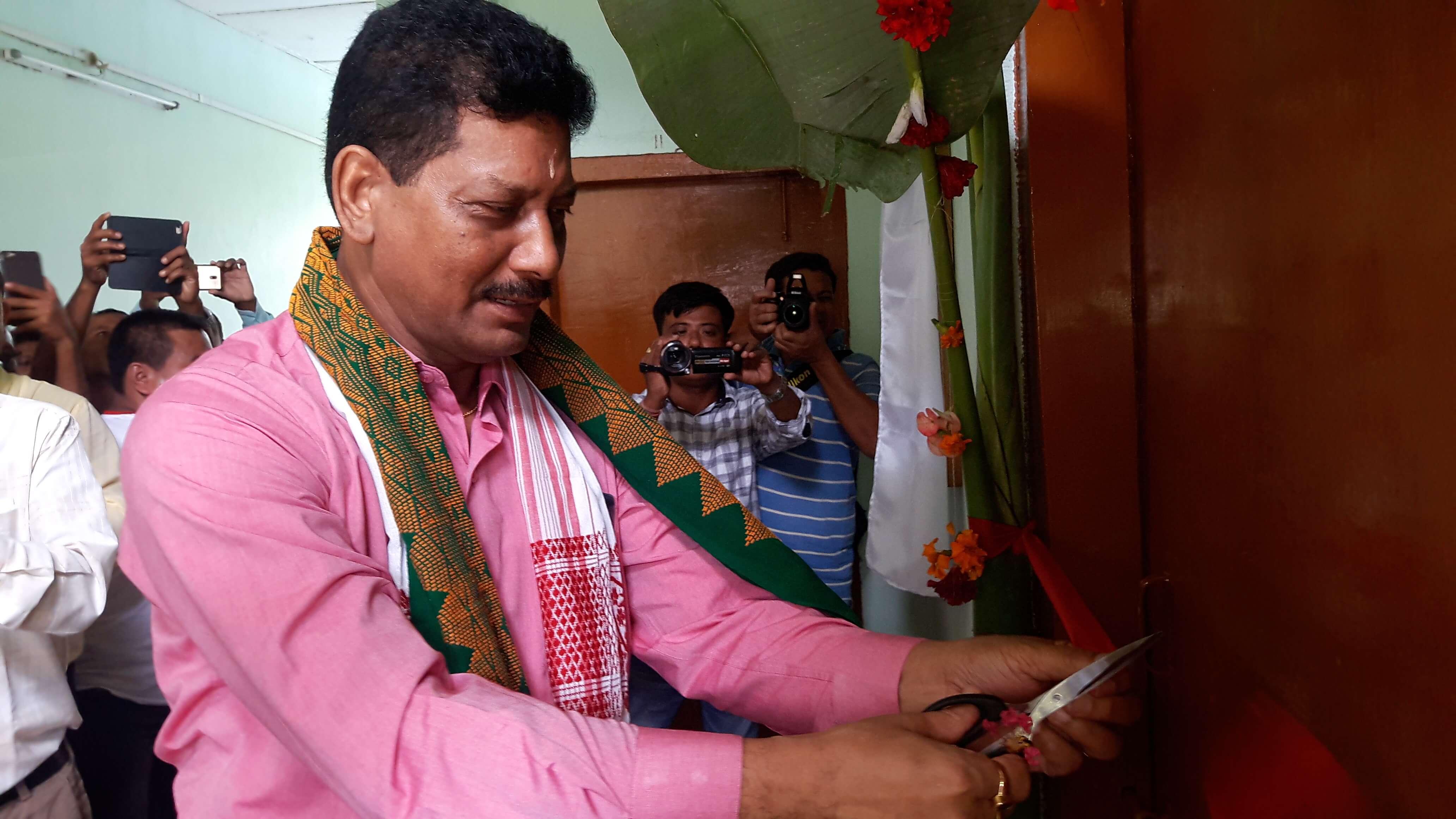 PHE Minister Rihon Daimari inaugurates Sub-treasury office at SDO(C) office in Bheragaon