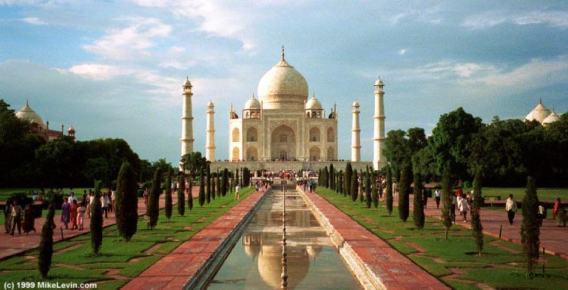 Supreme Court Asks Uttar Pradesh to Consider Declaring Taj Mahal's Surrounding as Heritage