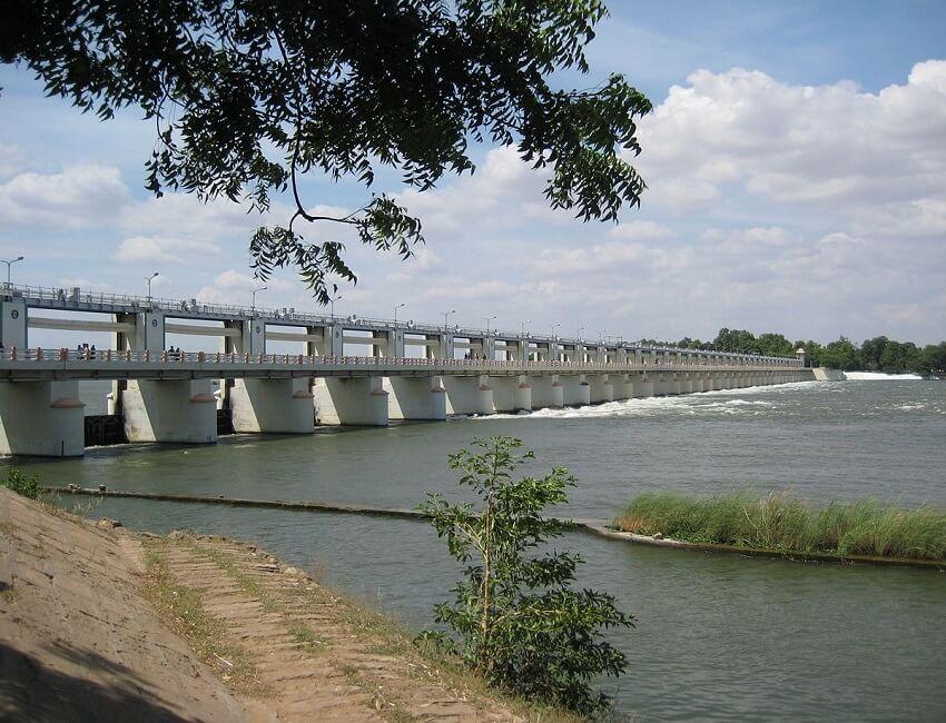 Tamil Nadu officials inspect Upper Anaicut dam