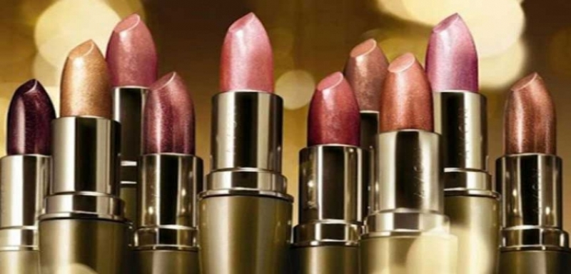 The Amazing Benefits of Wearing Lipstick