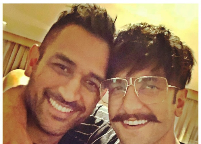 Ranveer Singh's Fanboy Moment with MS Dhoni!