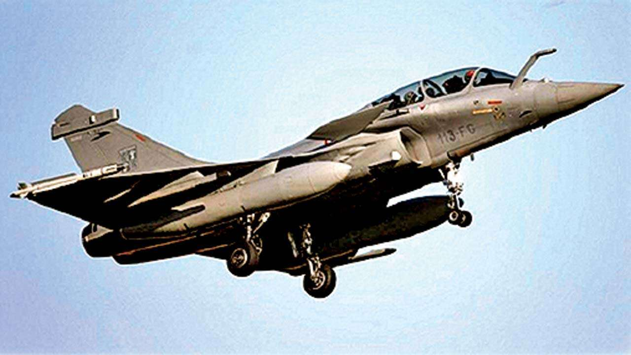 Rafale Deal: Congress Goes to CAG, Says Report Soon in Parliament