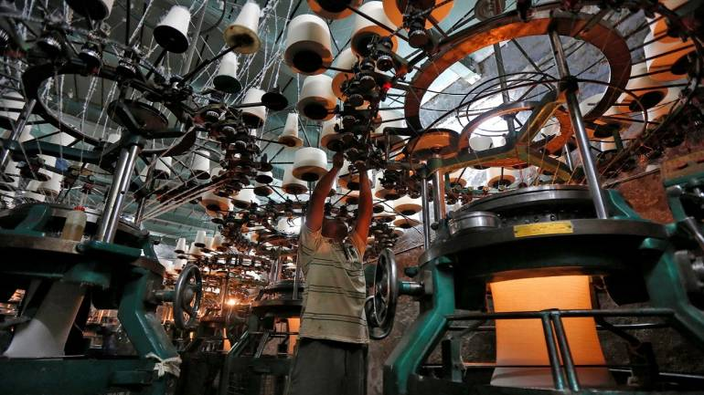 India's Manufacturing Output Eases on Lower Demand