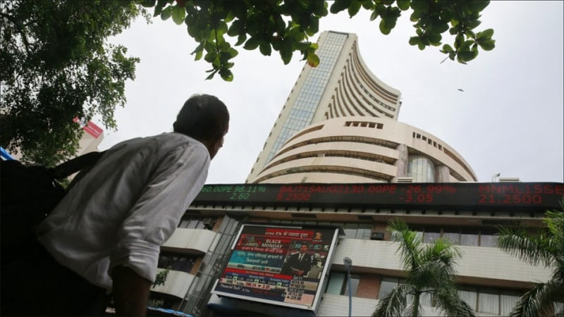 Trade Tensions Dent Indices; Equities Slip for Third Consecutive Day
