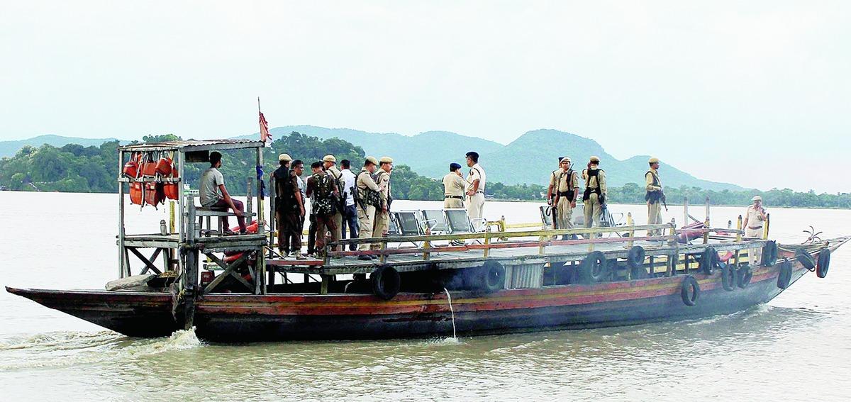 Prohibitory  order on plying of unauthorized boats