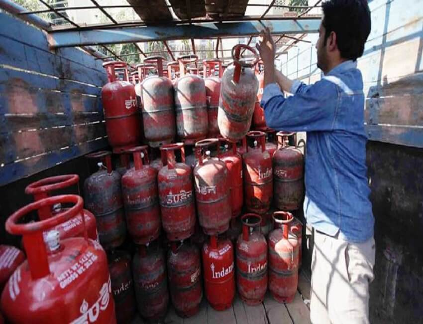 LPG Crisis continues in Assam; Transporters conducting strike